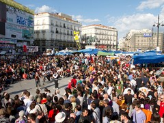 Demonstranten auf der Puerta del Sol, Madrid, Mai 2011