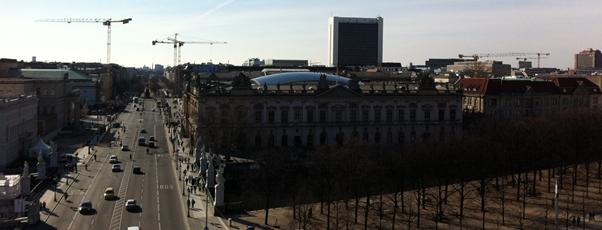 Unter den Linden Richtung Brandenburger Tor