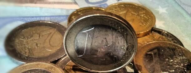 Euromünzen_und_Scheine