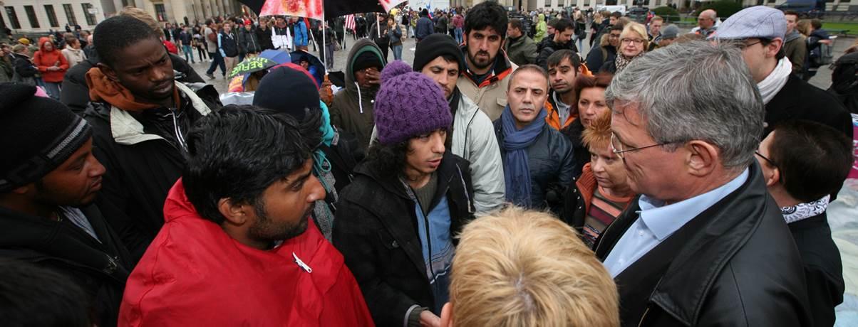 Demonstrierende_Asylanten_in_Berlin_2013-10-15