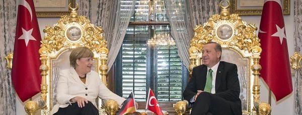 Merkel Erdogan Ausschnitt