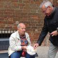 bettelnder Rentner
