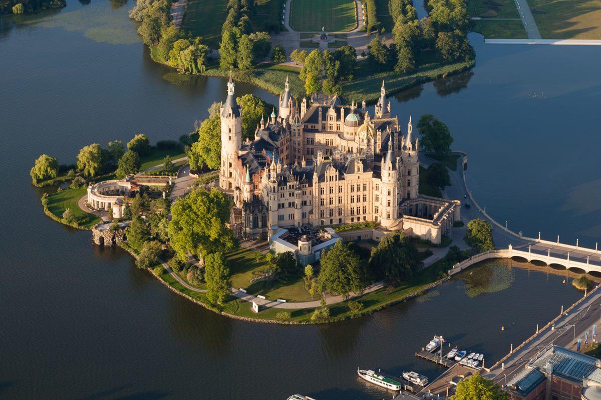schwerin_castle_aerial_view